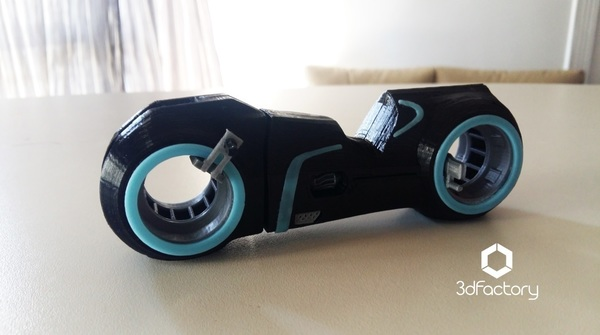 Medium Tron Legacy Light Cycle - 3dPrintable - 3dFactory Brasil 3D Printing 103651