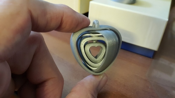 Medium Coeurs tournants liés - turning hearts 3D Printing 107474