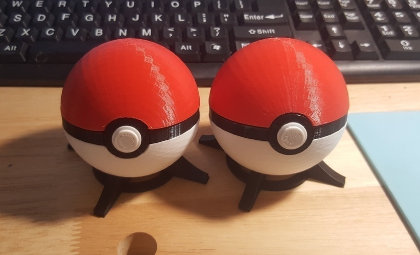 Pokeball, with magnetic clasp (alternate) 3D Print 113440