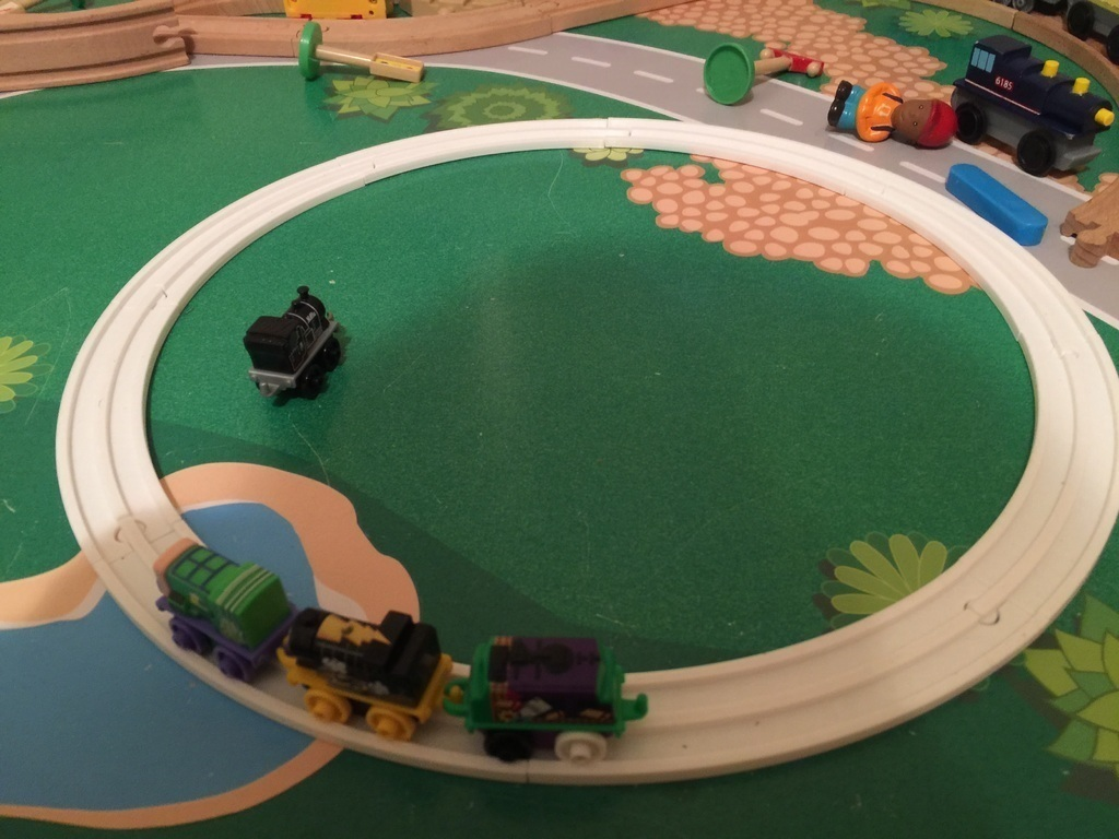 3D Printed Miniture Thomas Train Track by mmoore0 | Pinshape