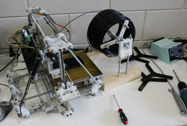Simple spool system for a Mendel (or other 3d printer) 3D Print 118210
