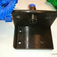 Small Jak's modification of a Bowden bracket for a Gregs or Wades extr 3D Printing 118803