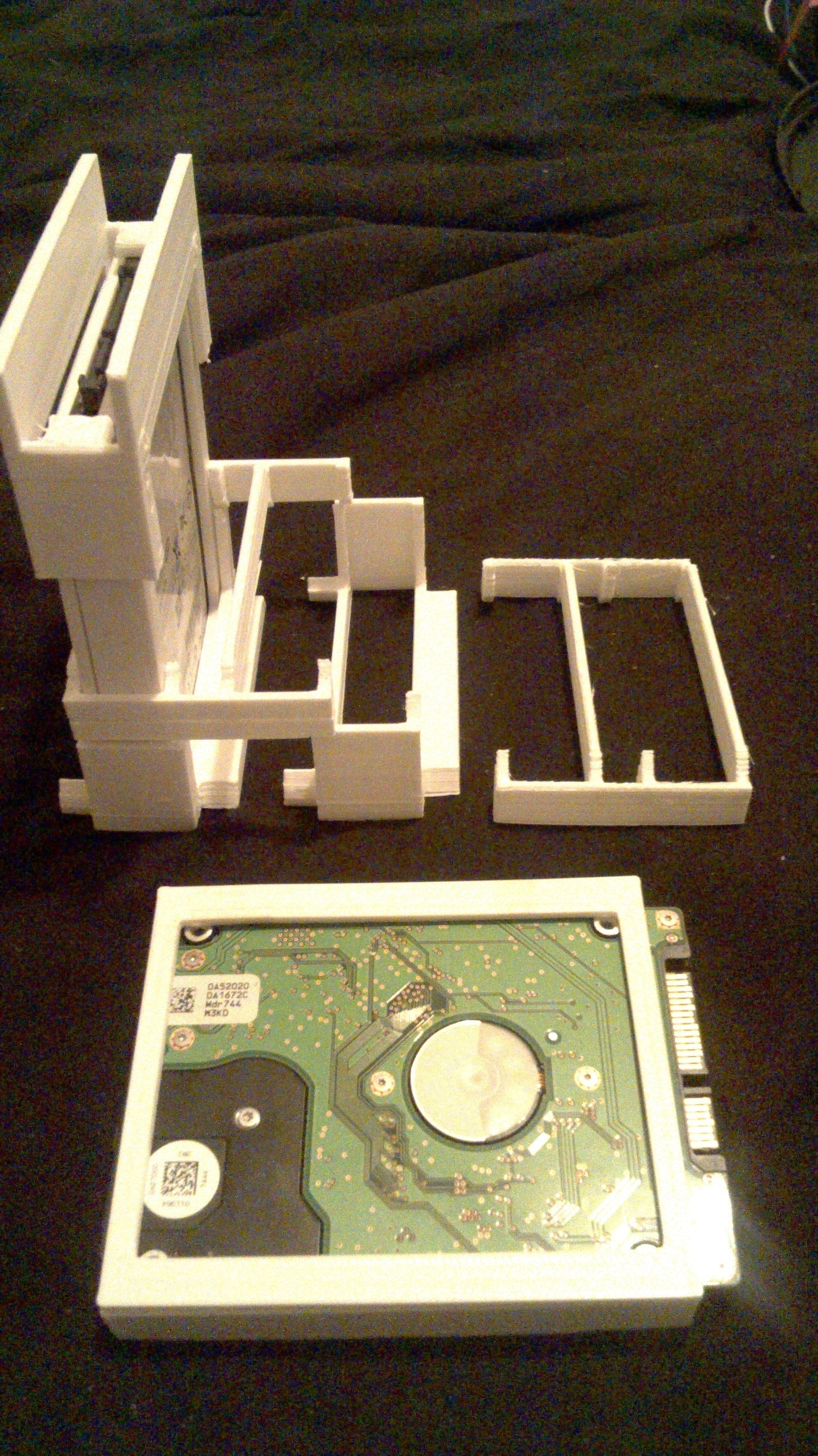 Stackable racking caddy For SSD or HDD @ Pinshape