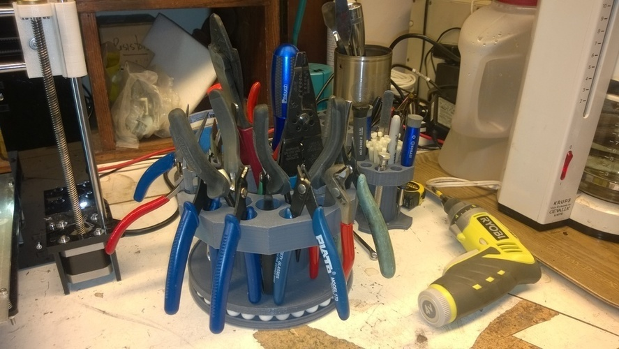 Tool Carousel Remix V_2 with rotating base 3D Print 129379