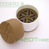 Small Toothless Herb Grinder - Shredder 2.0 Beta 3D Printing 130810