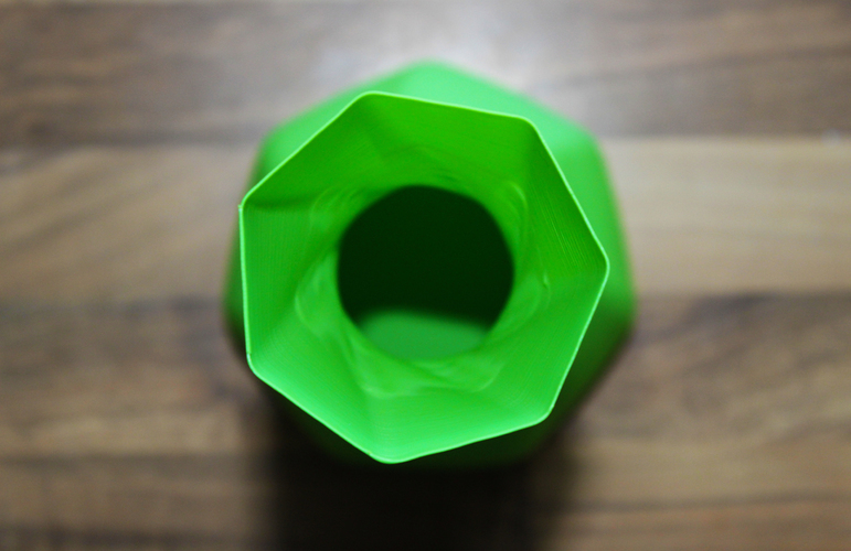 Twisted Heptagon Vase 3D Print 134729