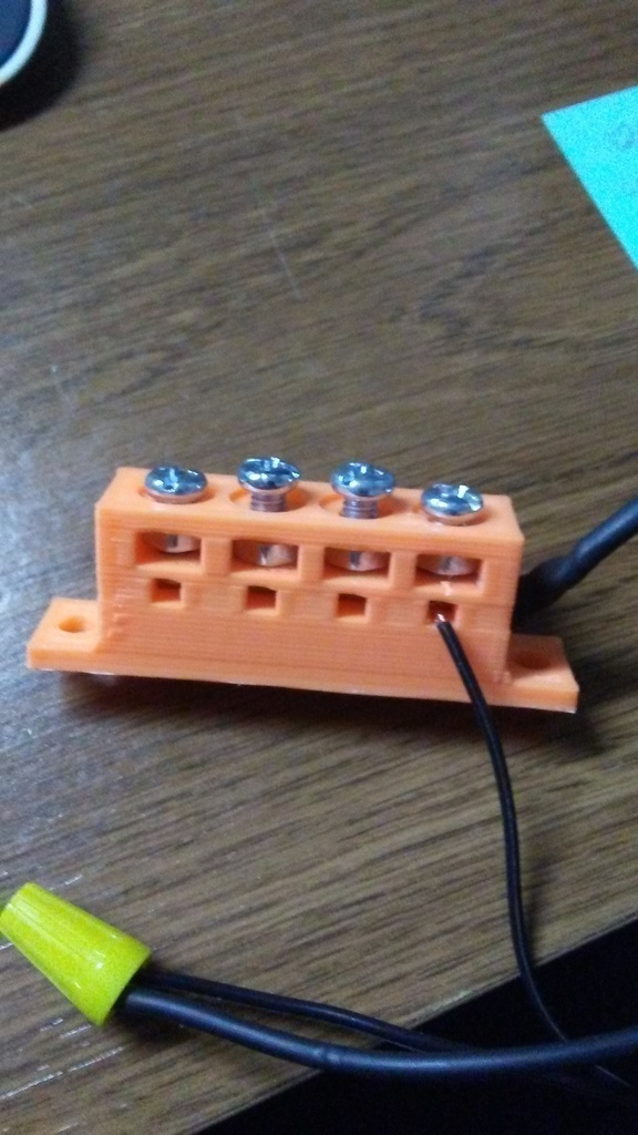 3D Printed Terminal Block 4 connections by Pap4tinker | Pinshape