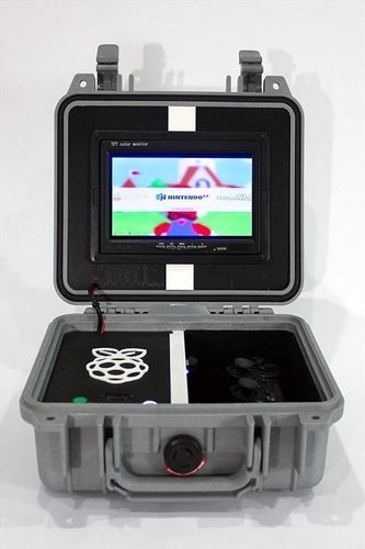 Retro Pie Box Version 2 - Portable Raspberry Pi Emulation Consol 3D Print 139617