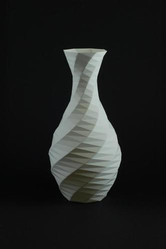 Low-poly Rose Twist Vase 3D Print 146416