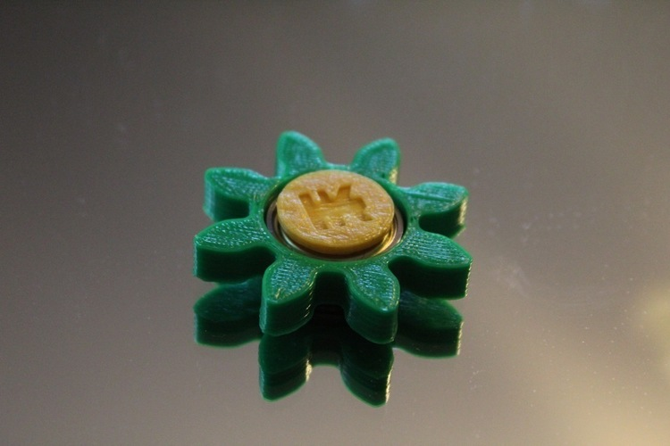 Gear/Flower Spinner 3D Print 150247