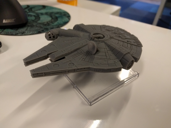 Medium Millenium Falcon with hole for mounting peg/X-Wing: TMG stand 3D Printing 158858
