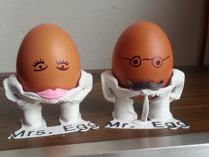The Egg Family: all four 3D Print 17606