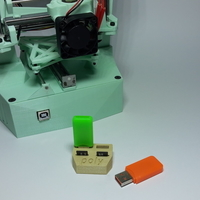 Small USB Poly Holder 3D Printing 181317