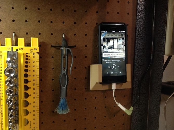 Larger iPhone Pegboard Holder 3D Print 186284