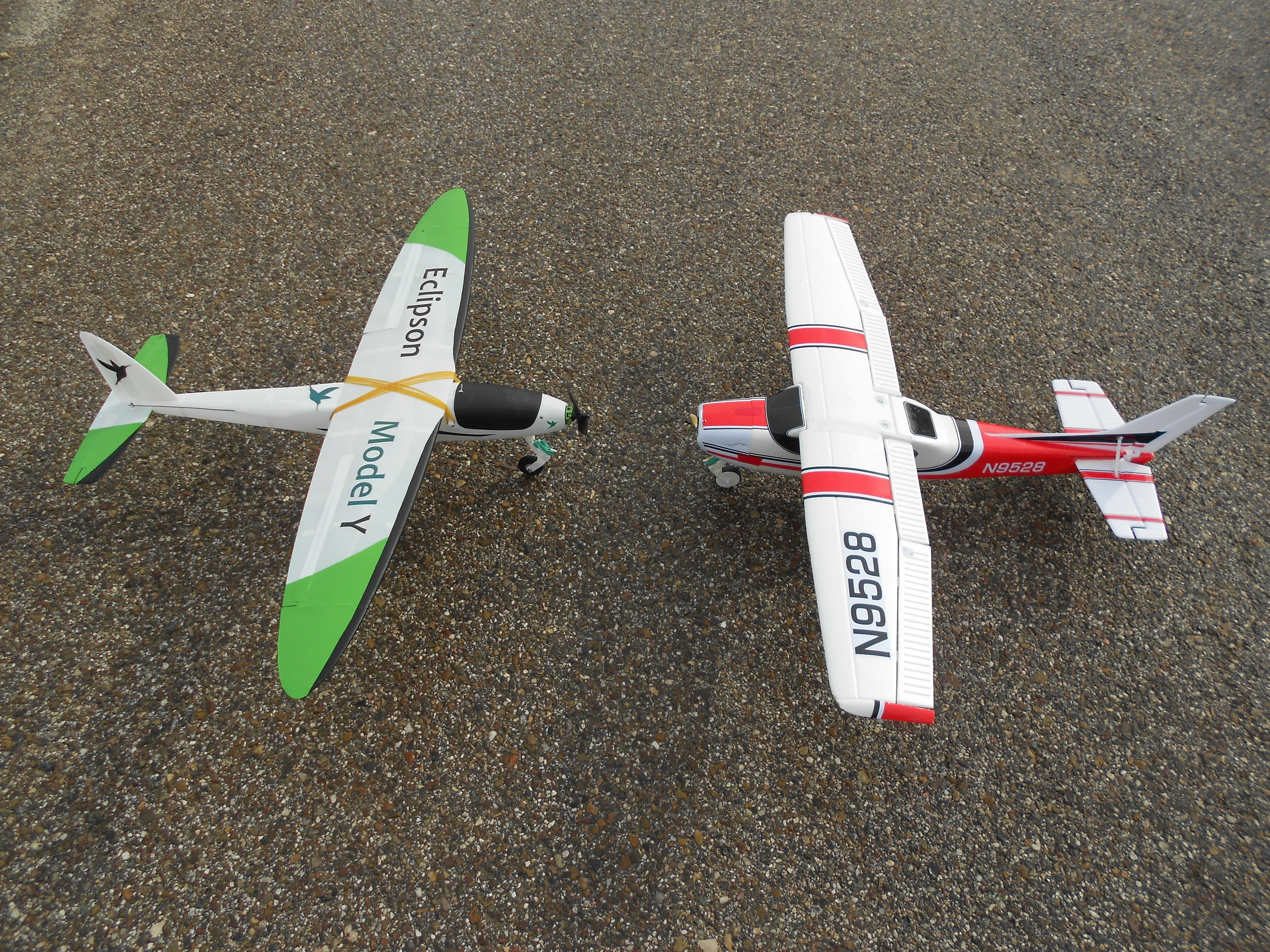3D Printed RC airplane nose landing gear by Eclipson