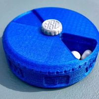 Small Weekly Pill Case / Organizer with Monogram Screw 3D Printing 205168