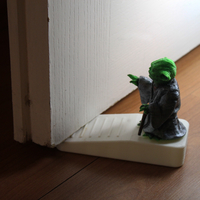 Small Yoda Keeps Gates / Door Stopper 3D Printing 221907