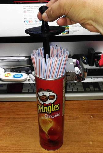 Pringles Can Straw Dispenser (for big printers) 3D Print 25169