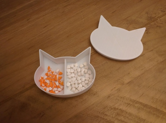 Cat shaped box with divider and small ramp for pills 3D Print 25272