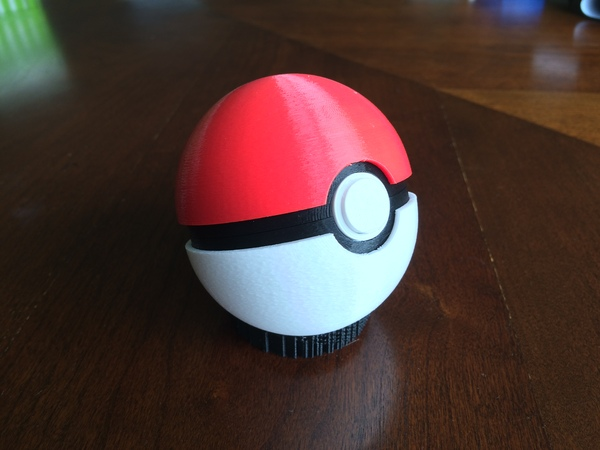 Medium Pokeball (opens and closes) 3D Printing 26857