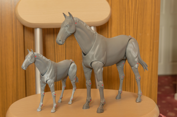 1:18 + 1:12  Scale  Articulated Horse Figure. 3D Print 281193