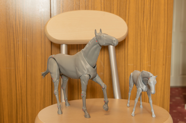 1:18 + 1:12  Scale  Articulated Horse Figure. 3D Print 281196