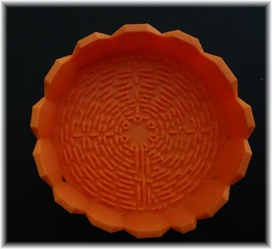 Tray with Chartres Labyrinth inside 3D Print 28371