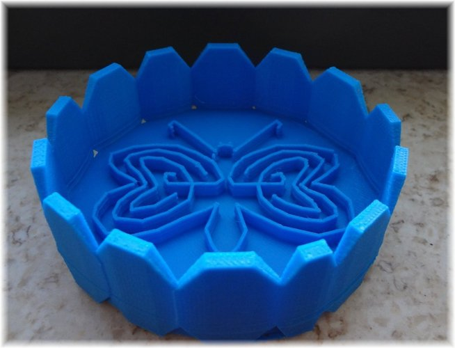 Tray design with a labyrinthine heart butterfly within 3D Print 28378