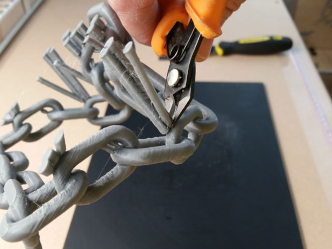 Chain Link Tablet Stand 3D Print 29329