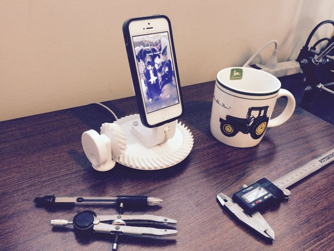 Gearhead iPhone 5/6 Dock, Spiral Bevel Gear 51T/17T, 3:1 Ratio 3D Print 29362