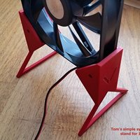 Small Tom's simple symmetrical stand for 120mm fan (V1) 3D Printing 33152
