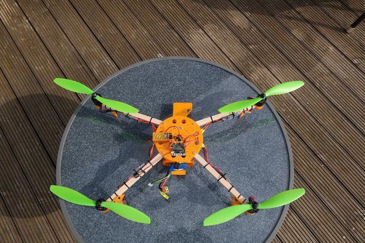 ElectroHub inspired Quadcopter 3D Print 34644