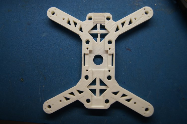 """Mini-Me"" 200mm Quadcopter Frame 3D Print 34673"