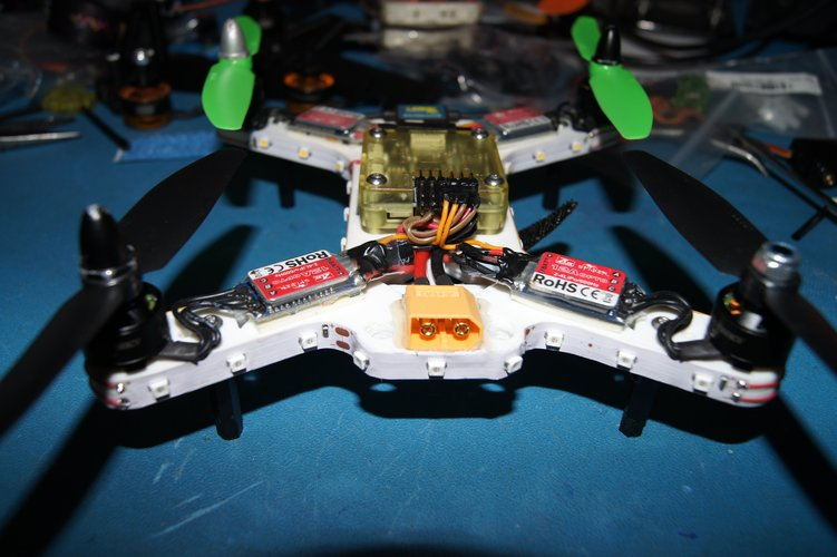 """Mini-Me"" 200mm Quadcopter Frame 3D Print 34675"