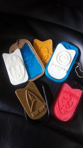Customizable tags  for use it wherever you want print it - wear  3D Print 35409