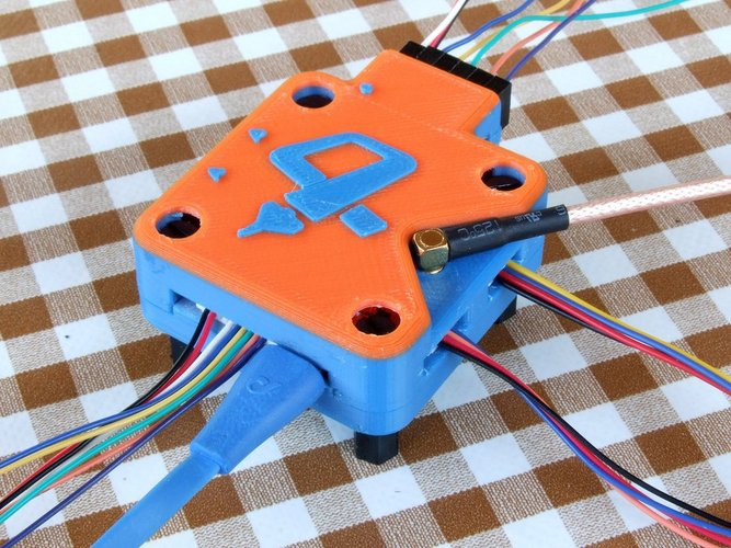 OP Revolution box - vertical antenna - angled servo pins (lid on 3D Print 36486