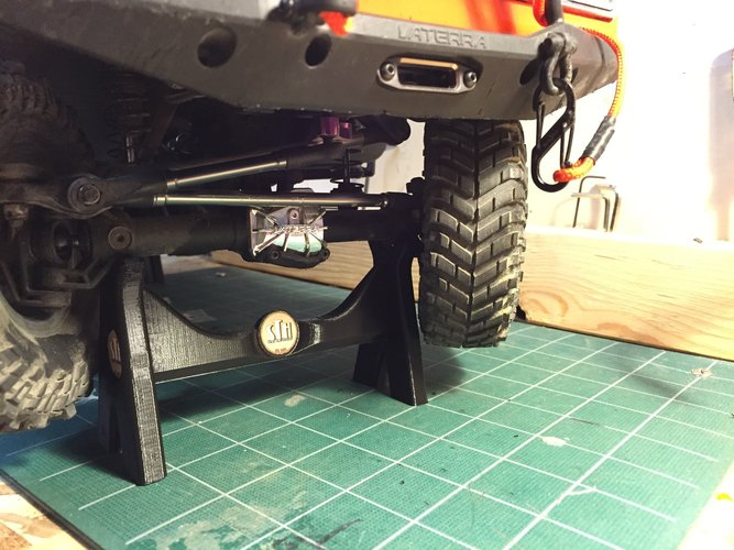 R/C Truck Stand 3D Print 39636