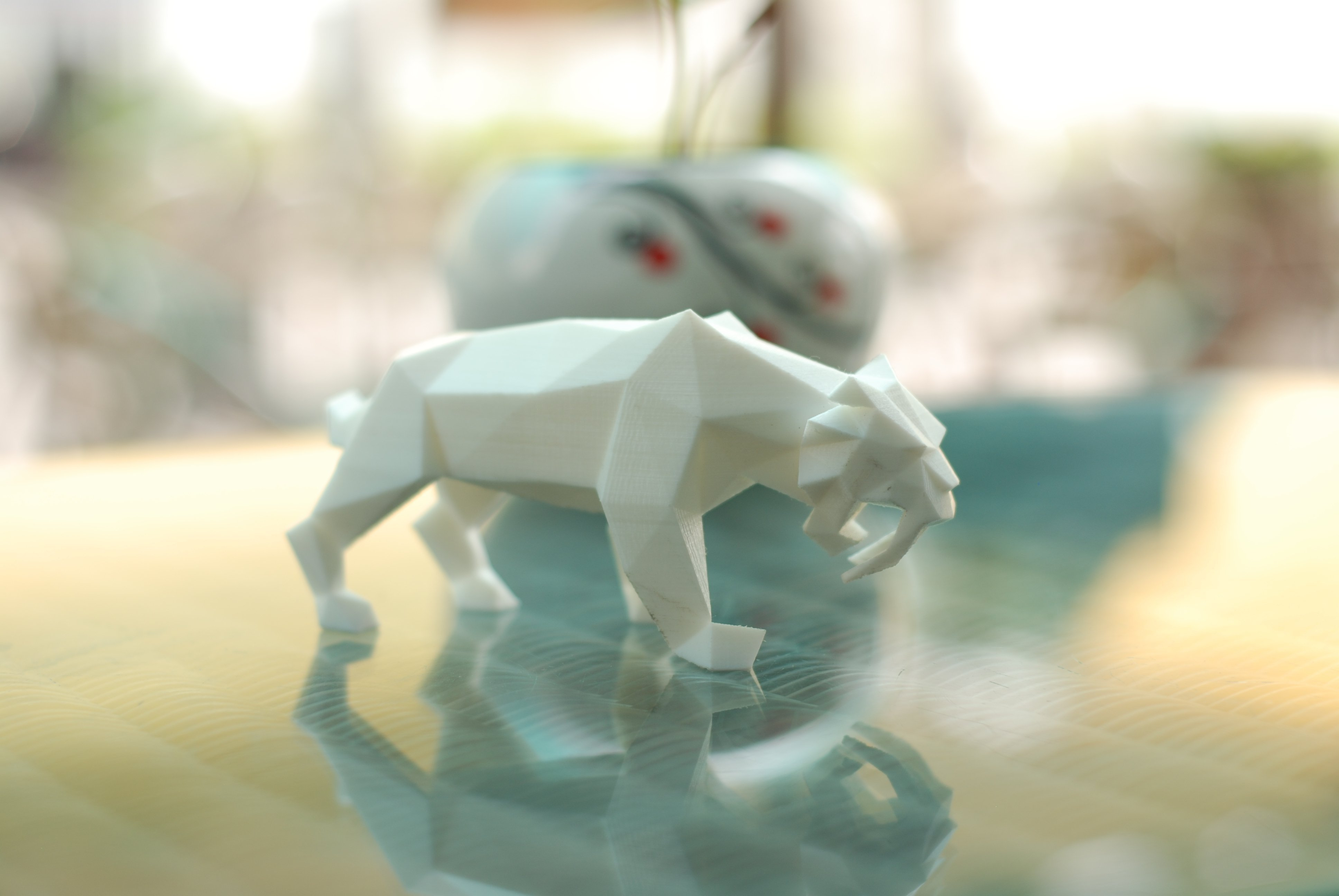 3D Printed Low Poly Saber Toothed Tiger By FORMBYTE