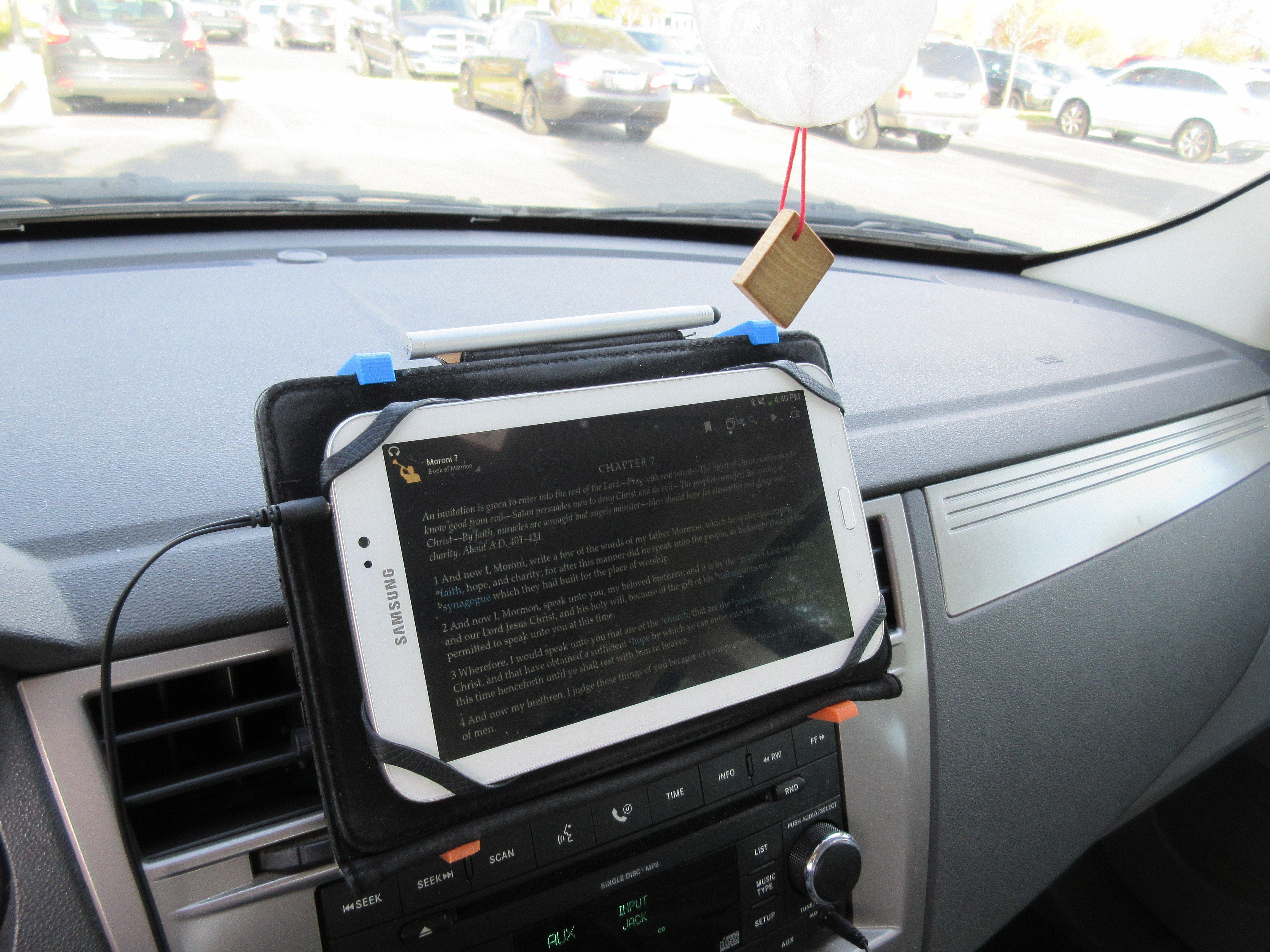 3d Printed Universal Phone Or Tablet Clip By Joealarson Pinshape