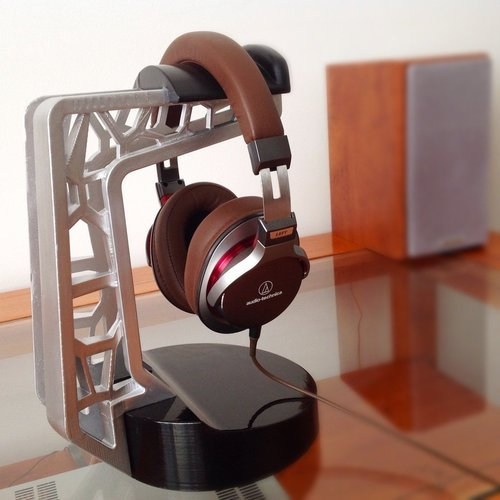 3D Printed Headphone Stand By Adam.molnar.1@gmail.com