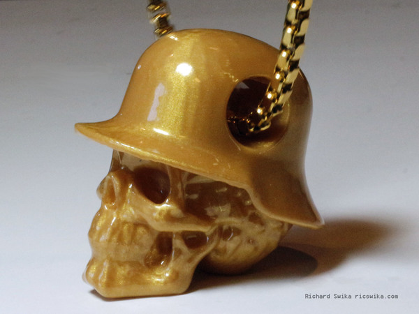 Medium Hole in Head Army Skull Pendant 3D Printing 71627