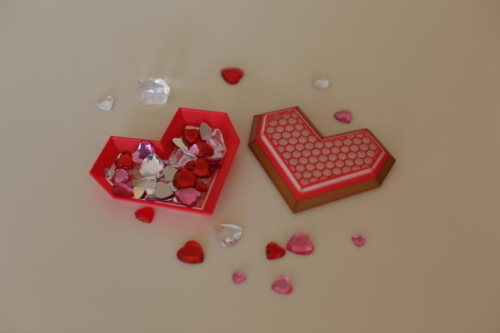 3D Printed Lowpoly Heart Box by Adafruit | Pinshape