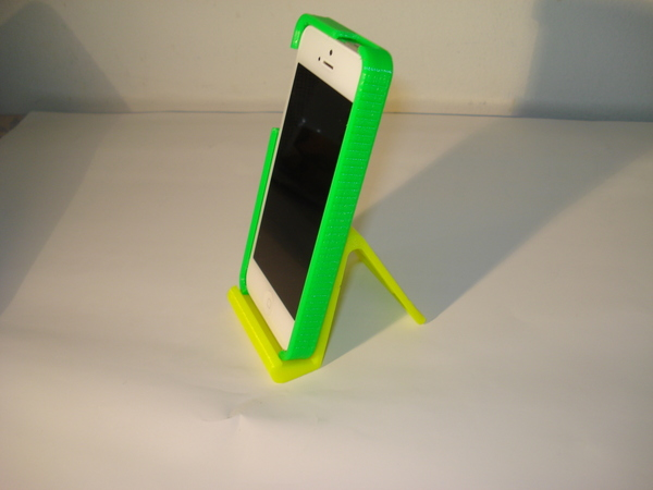 Medium iPhone and iPad stand-REV. 2 3D Printing 79057
