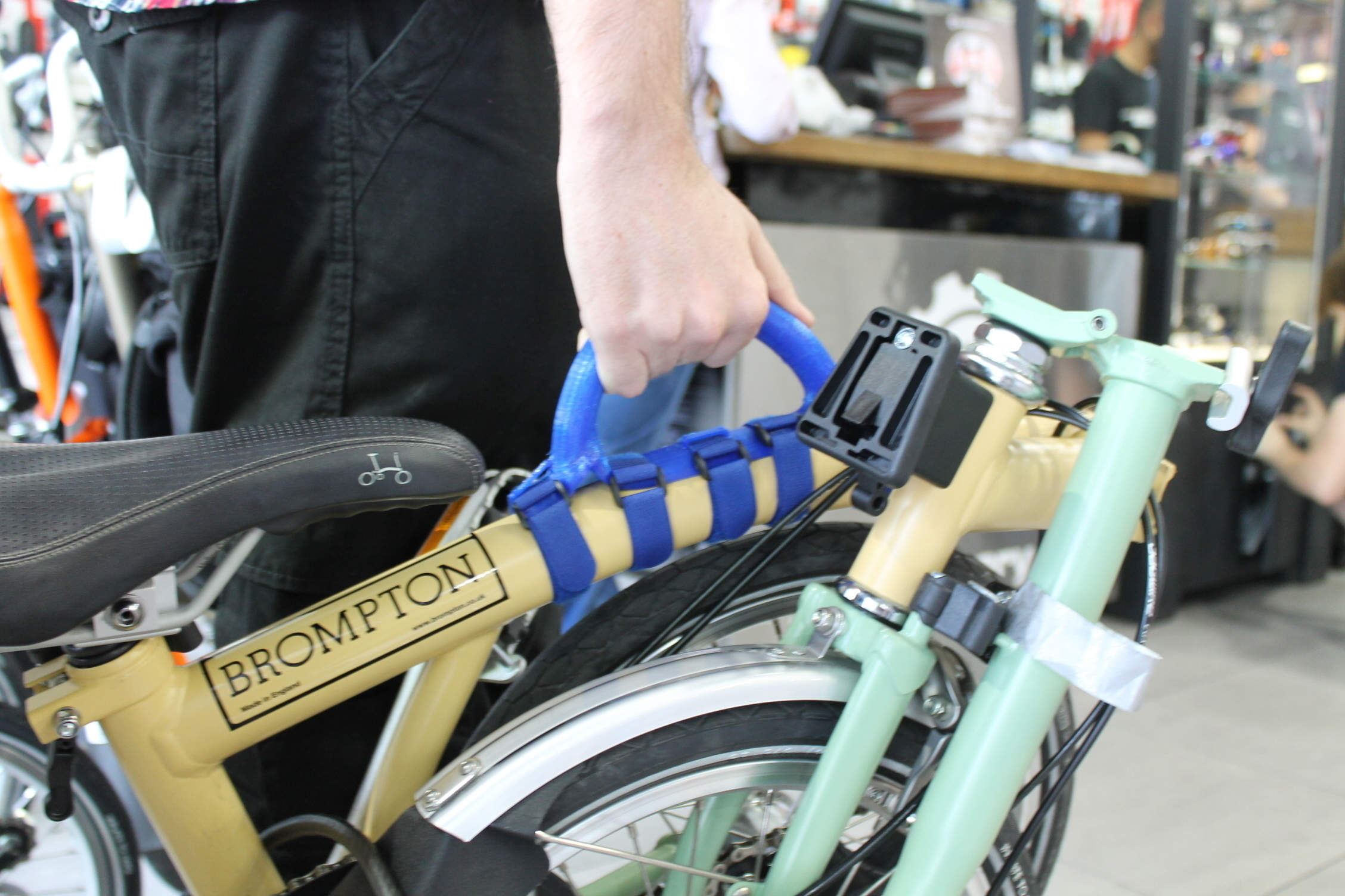 3d Printed Folding Bicycle Carry Handle By Kirby Downey Pinshape