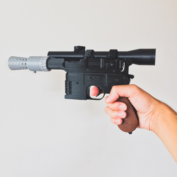 Medium Model kit - Han Solo's DL-44 Heavy Blaster Pistol 3D Printing 85246