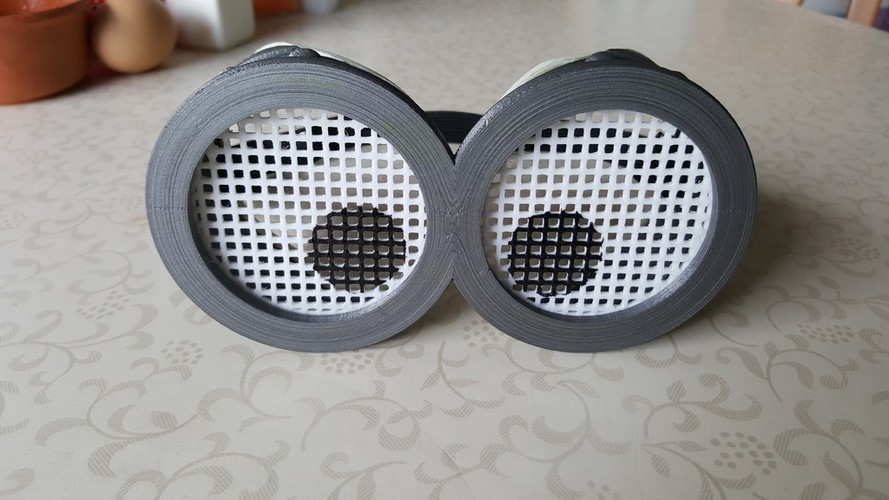 Grid lenses for Minion goggles Improved 3D Print 91392