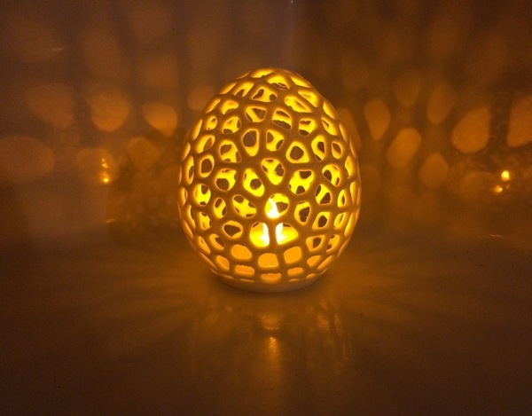 Medium Voronoi LED Egg tealight shade 3D Printing 93822