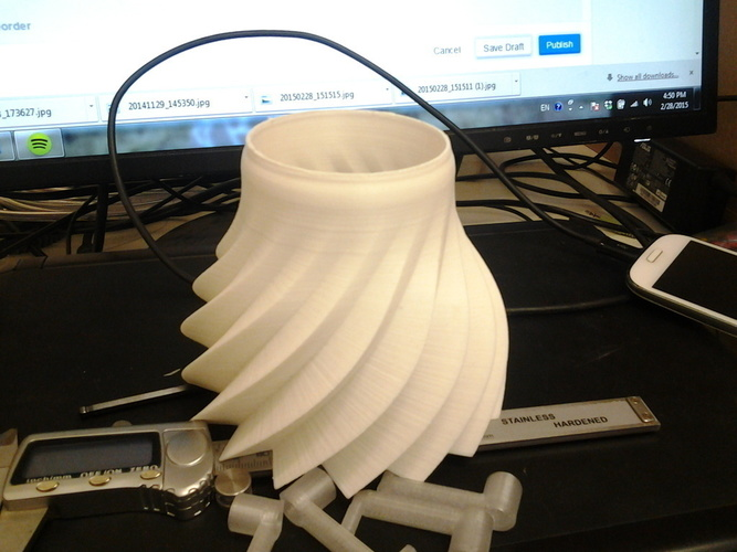 Lamp shade for a desk lamp. 2 versions, straight and swirled. 3D Print 95136