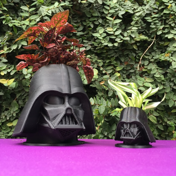 Medium CoolPots # 2 - Darth Vader 3D Printing 95726