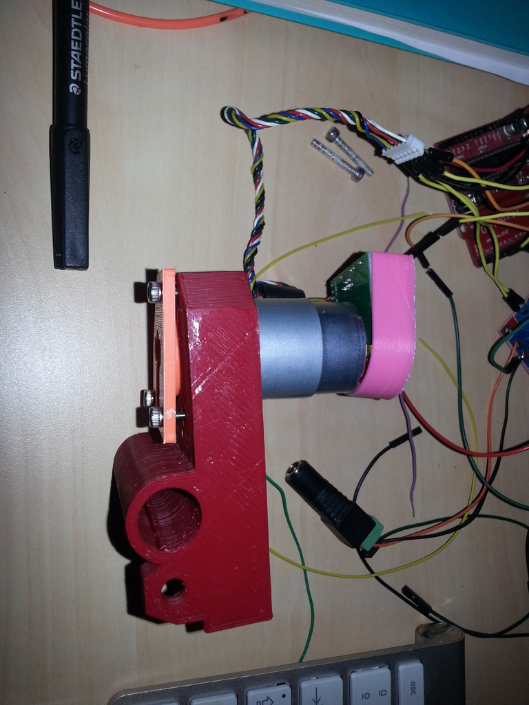 3D Printed Change your stepper by a servo DC motor on Prusa
